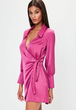 Pinkes Satin Wickelkleid mit Kragen