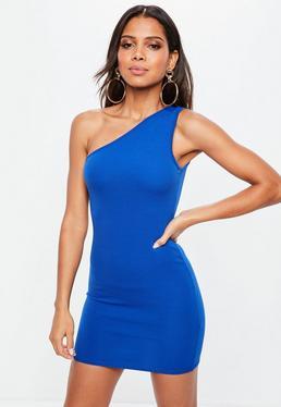 Vestido ajustado con hombro descubierto en azul