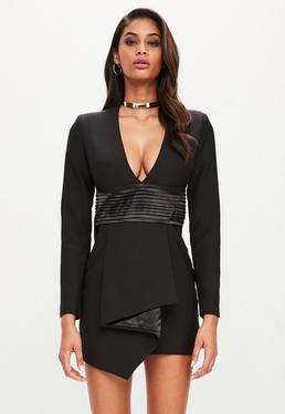 Peace + Love Czarna sukienka z głębokim dekoltem i długimi rękawami
