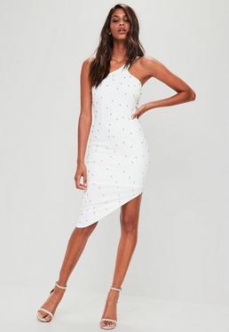 Biała sukienka midi na jedno ramię