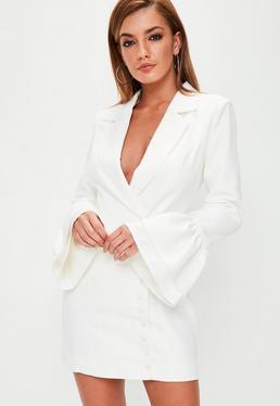 Vestido blazer con mangas de volantes en blanco