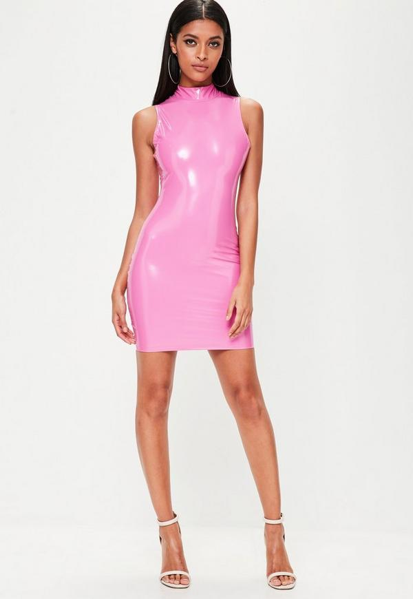 Vestido corto ajustado de vinilo con cuello alto en rosa   Missguided