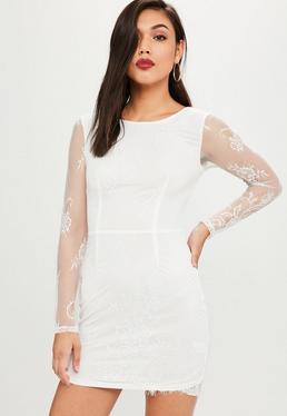 Vestido ajustado de encaje en blanco