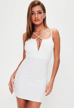 Vestido ajustado con varias tiras en blanco