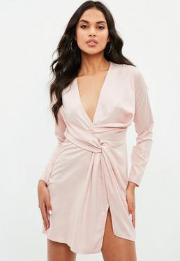 Vestido recto cruzado en rosa metalizado