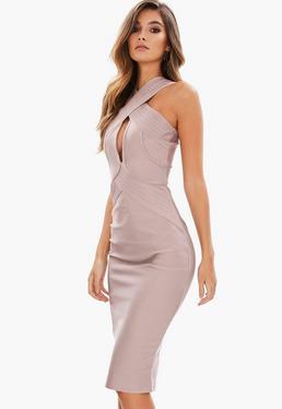Bladoróżowa bandażowa sukienka midi