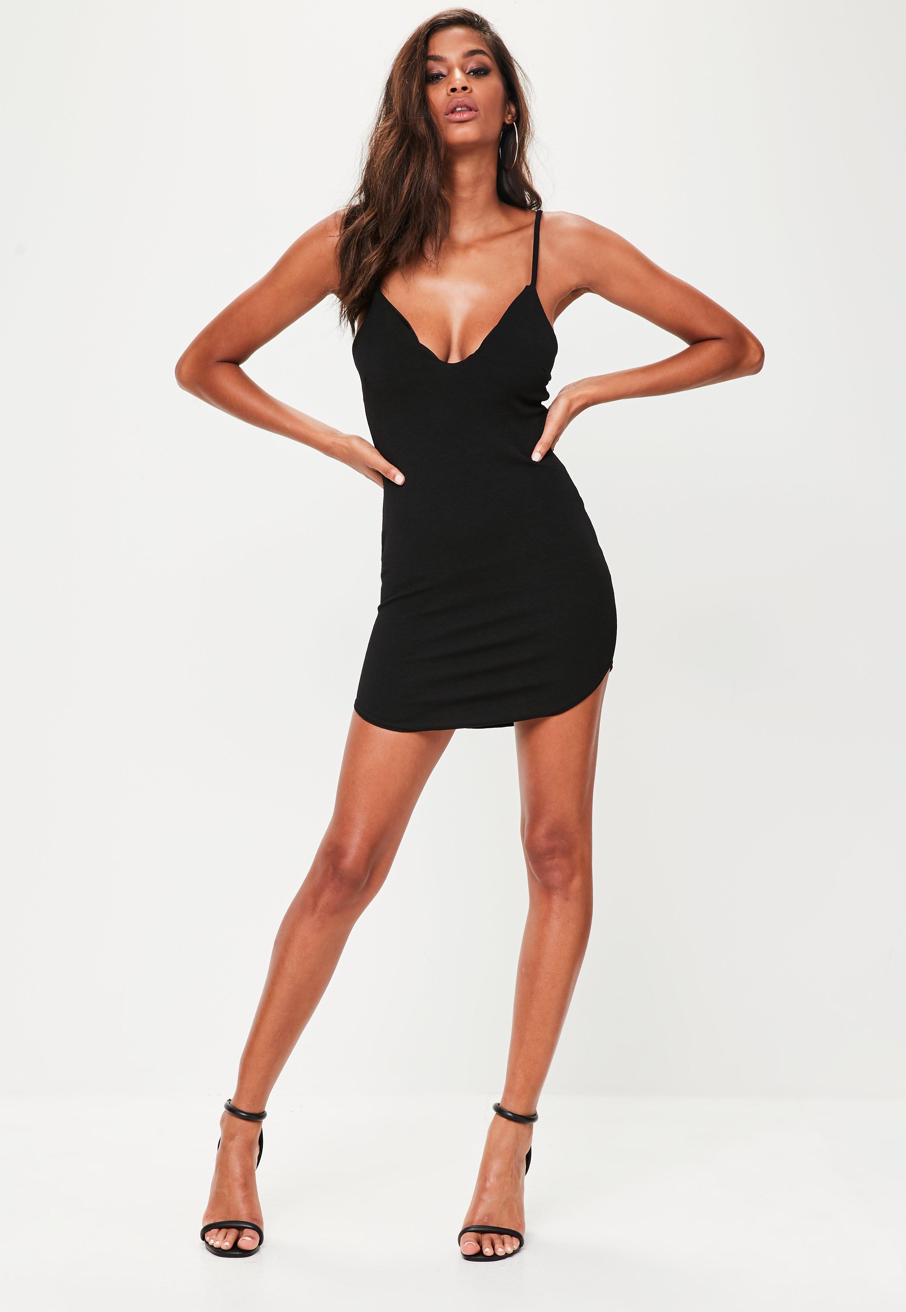 Vestido negro largo pegado al cuerpo