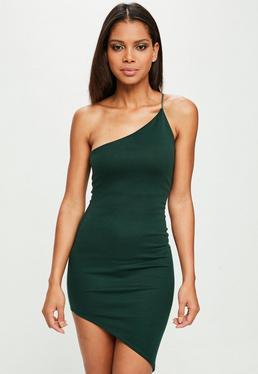 Vestido de escote asimétrico en verde