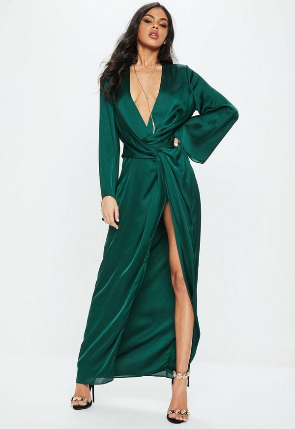 d5de627ade9a2 Uo Ribbed Knit Plunging Midi Dress Urban Outfitters | 2019 trends | xoosha