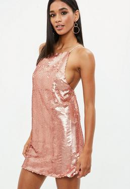 Różowa cekinowa sukienka