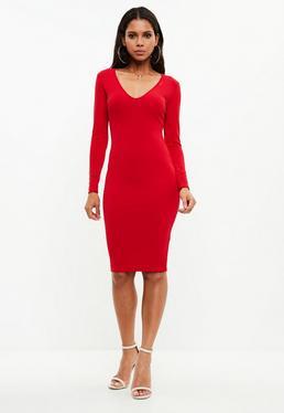 Czerwona dopasowana sukienka midi