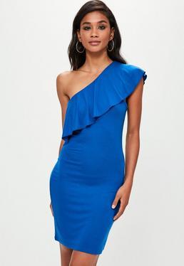 Niebieska sukienka mini na jedno ramię