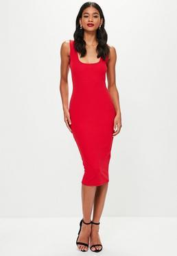 Czerwona dopasowana sukienka midi na ramiączkach