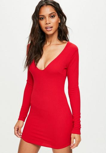 Robe moulante rouge d collet plongeant missguided - Code reduction point rouge la redoute ...
