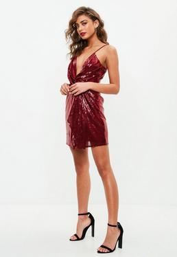 Czerwona cekinowa sukienka na ramiączkach