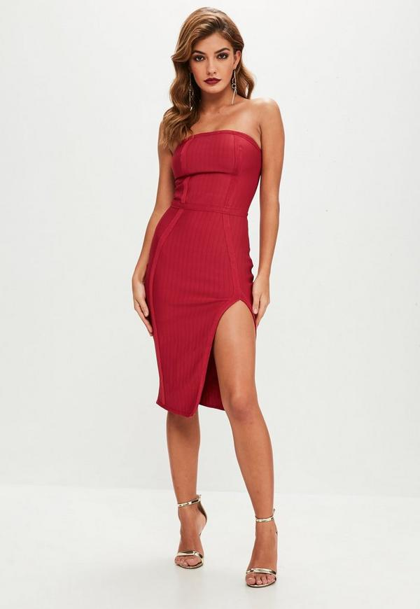 Robe rouge bustier fendue