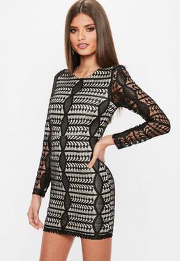 Czarna sukienka z długimi rękawami