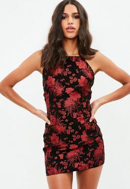 Kleid mit lockerem rollkragen