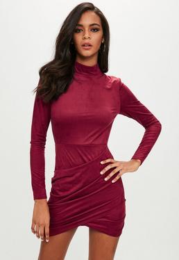 Czerwona zamszowa sukienka mini