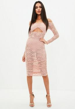 Vestido fruncido de manga larga con aberturas de encaje en rosa