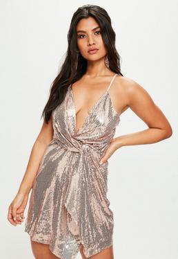 Złota zawijana cekinowa sukienka