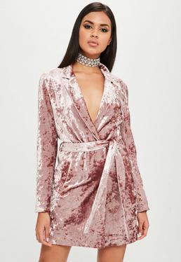 Carli Bybel x Missguided Różowa welurowa zawijana sukienka