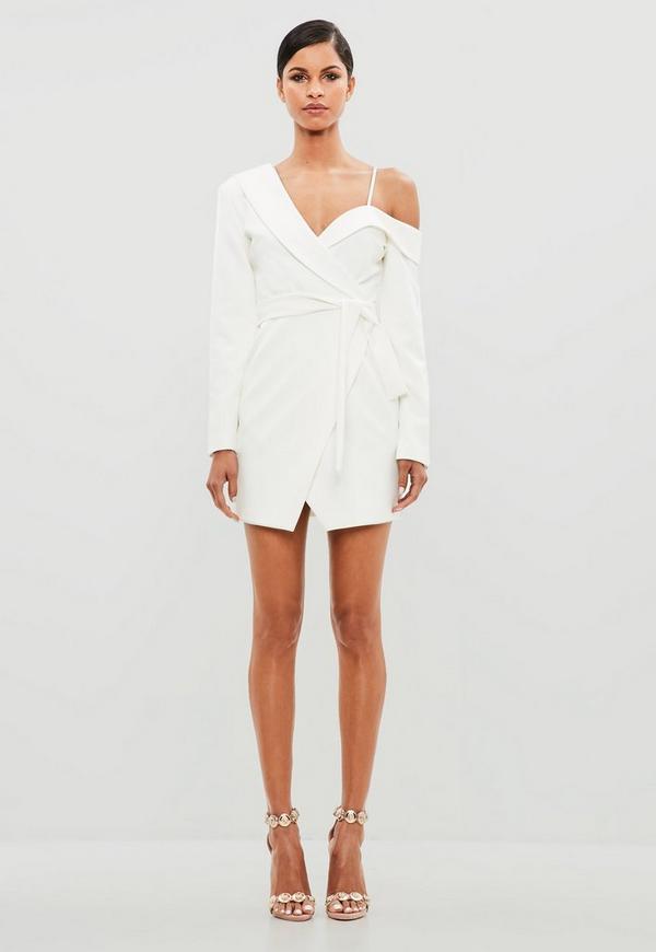 Peace + Love Weißes One-Shoulder Blazerkleid mit Gürtel | Missguided