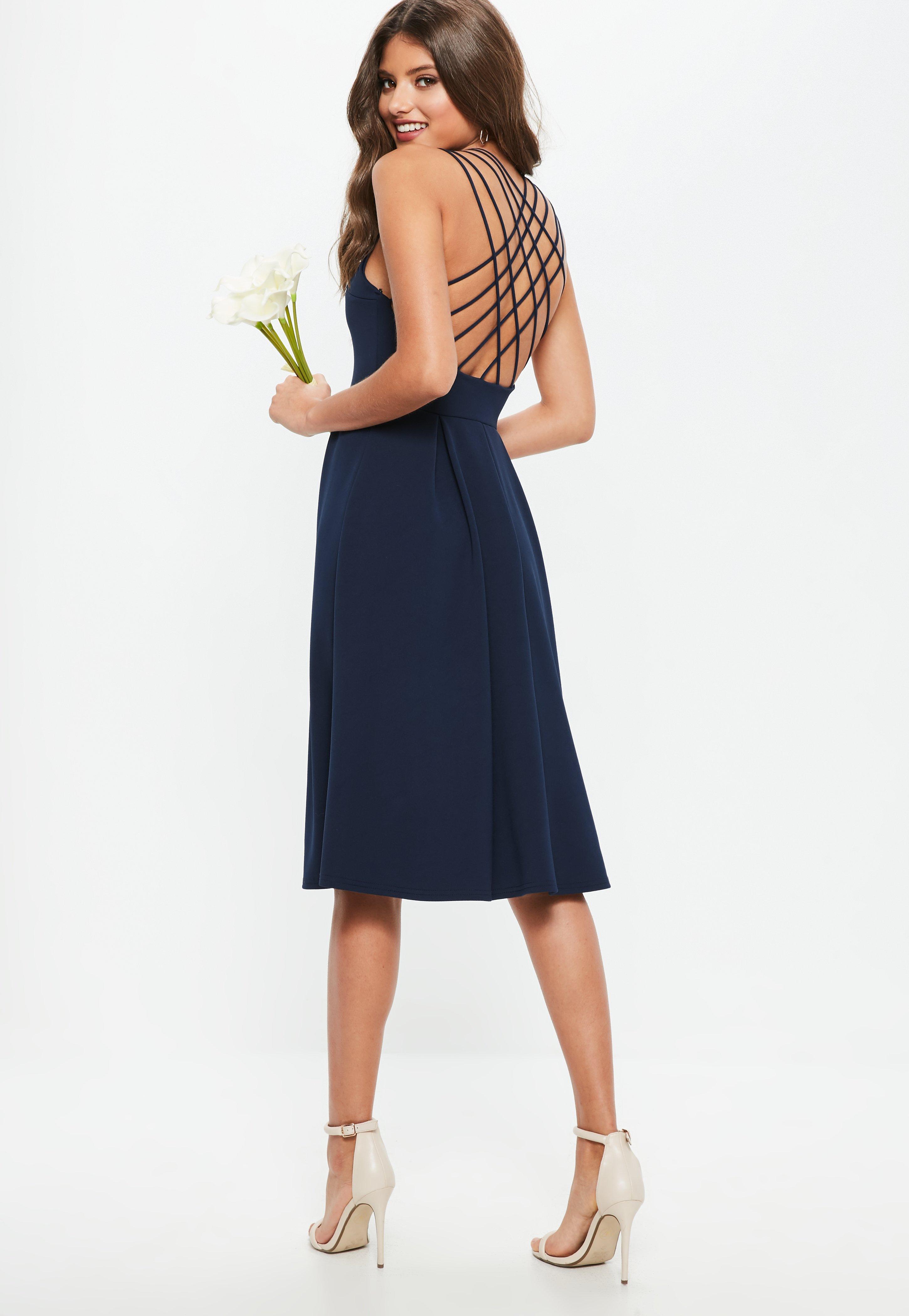 30886ca31c Druhna Granatowa rozkloszowana sukienka midi z krzyżowanymi ramiączkami