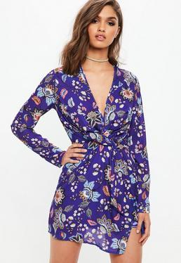 Fioletowa zawijana sukienka w kwiaty