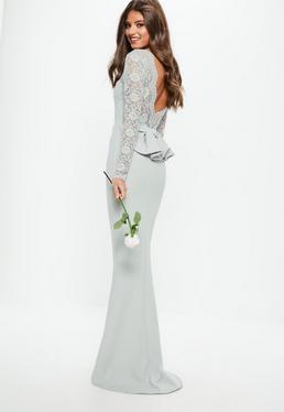Vestido largo dama de honor con espalda de encaje con lazo en gris