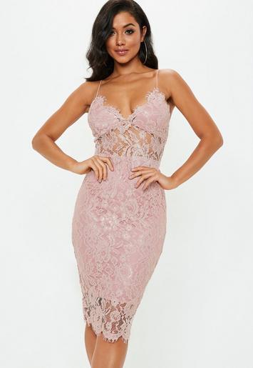 vestido midi de encaje en rosa palo missguided