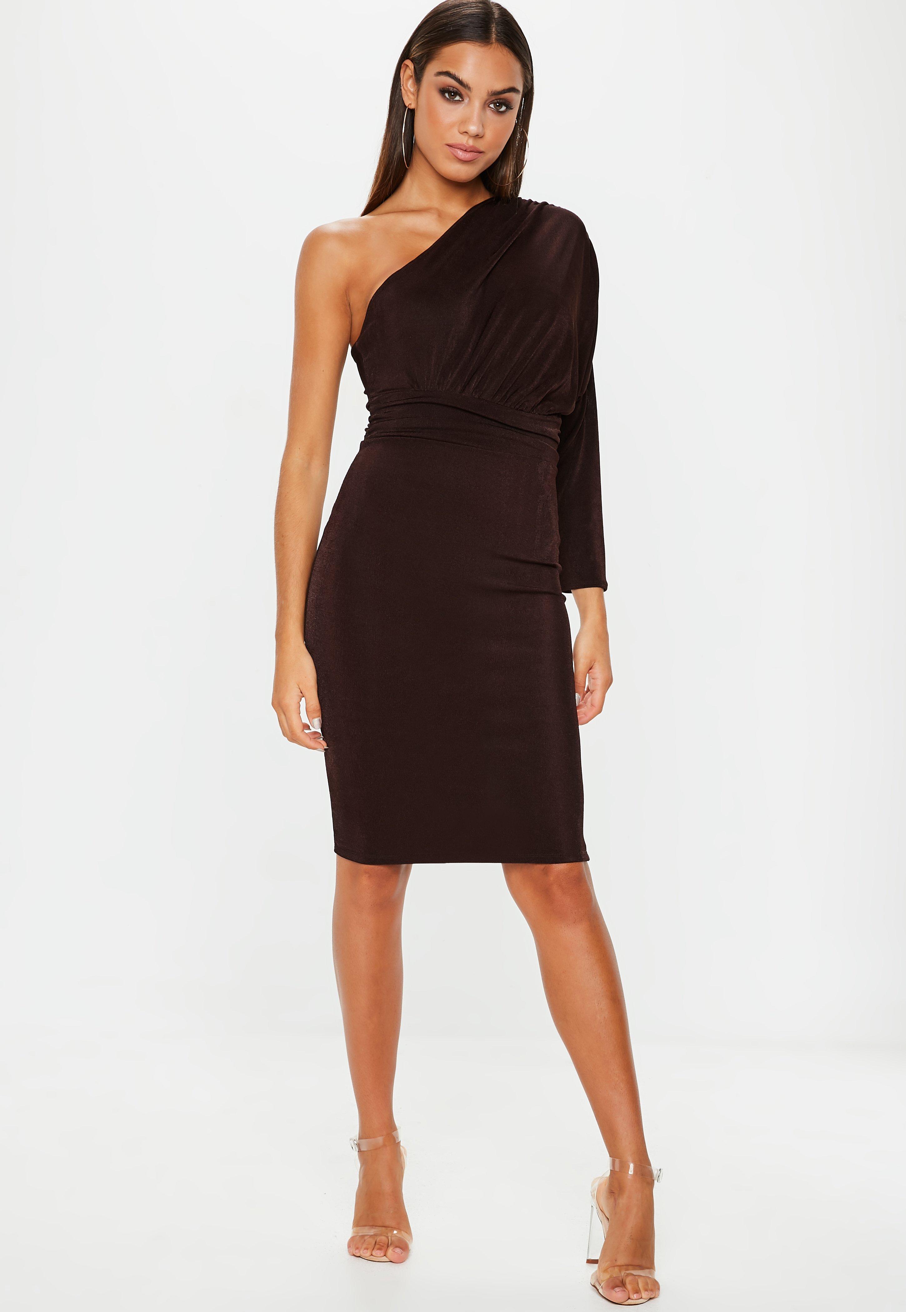 Looks - One little shoulder black dress video