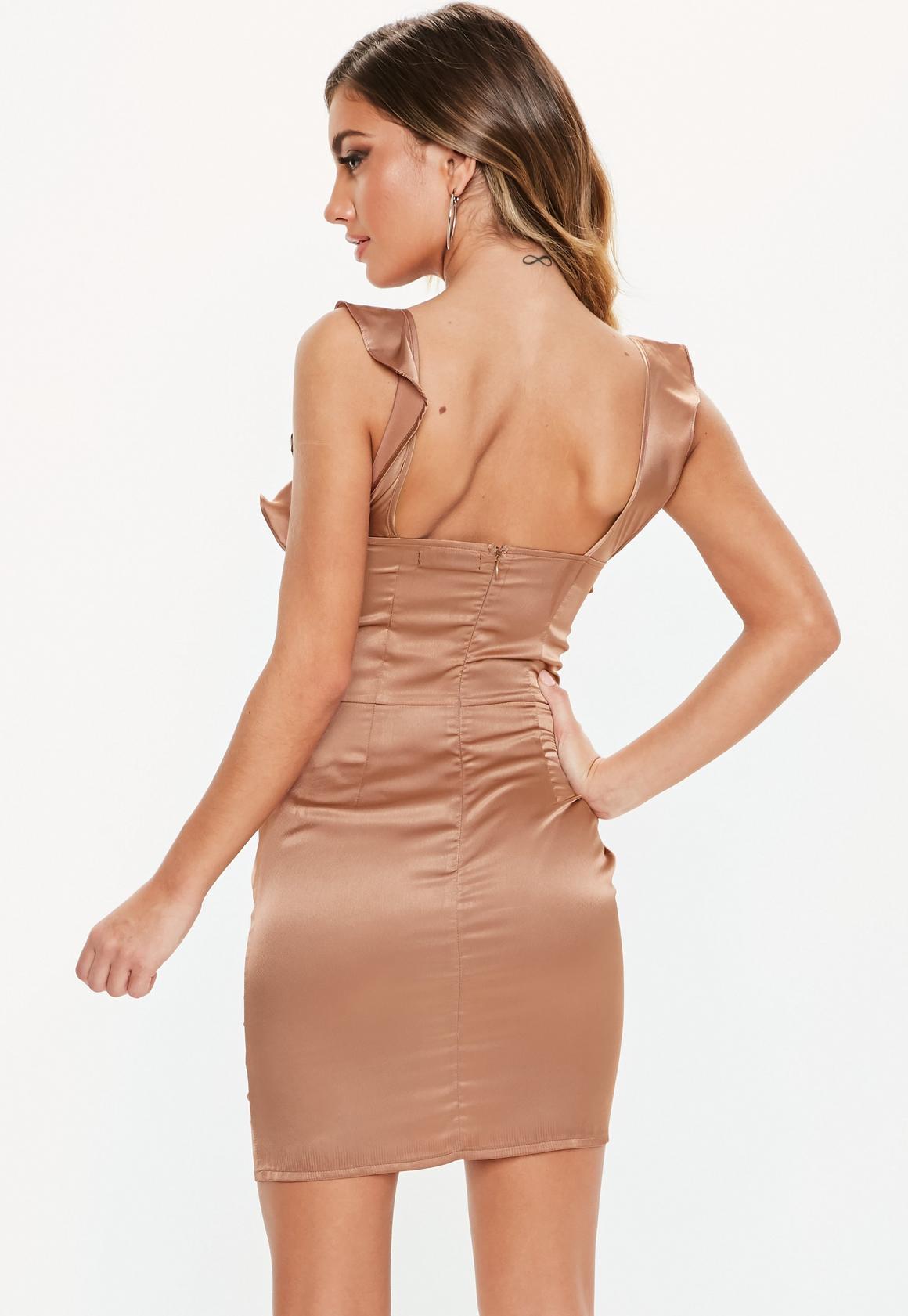 Missguided - robe courte en satin  à volants - 4