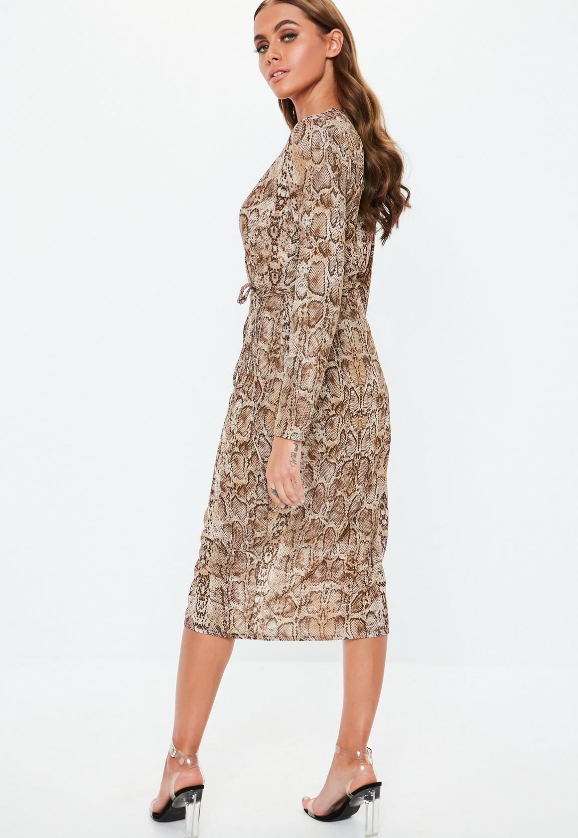 Missguided - robe midi portefeuille marron à imprimé serpent - 4