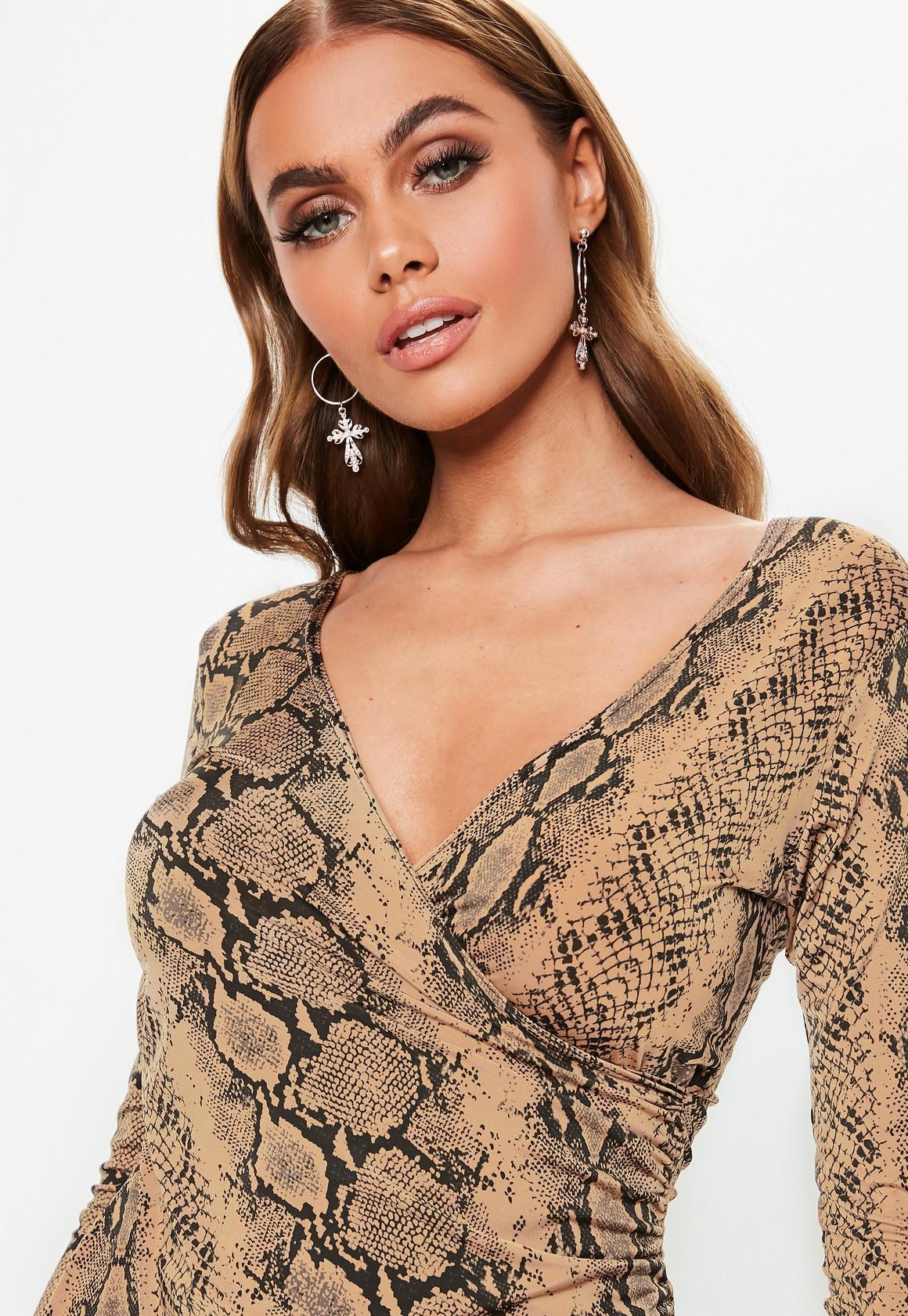 Missguided - robe asymétrique courte camel à imprimé serpent - 3
