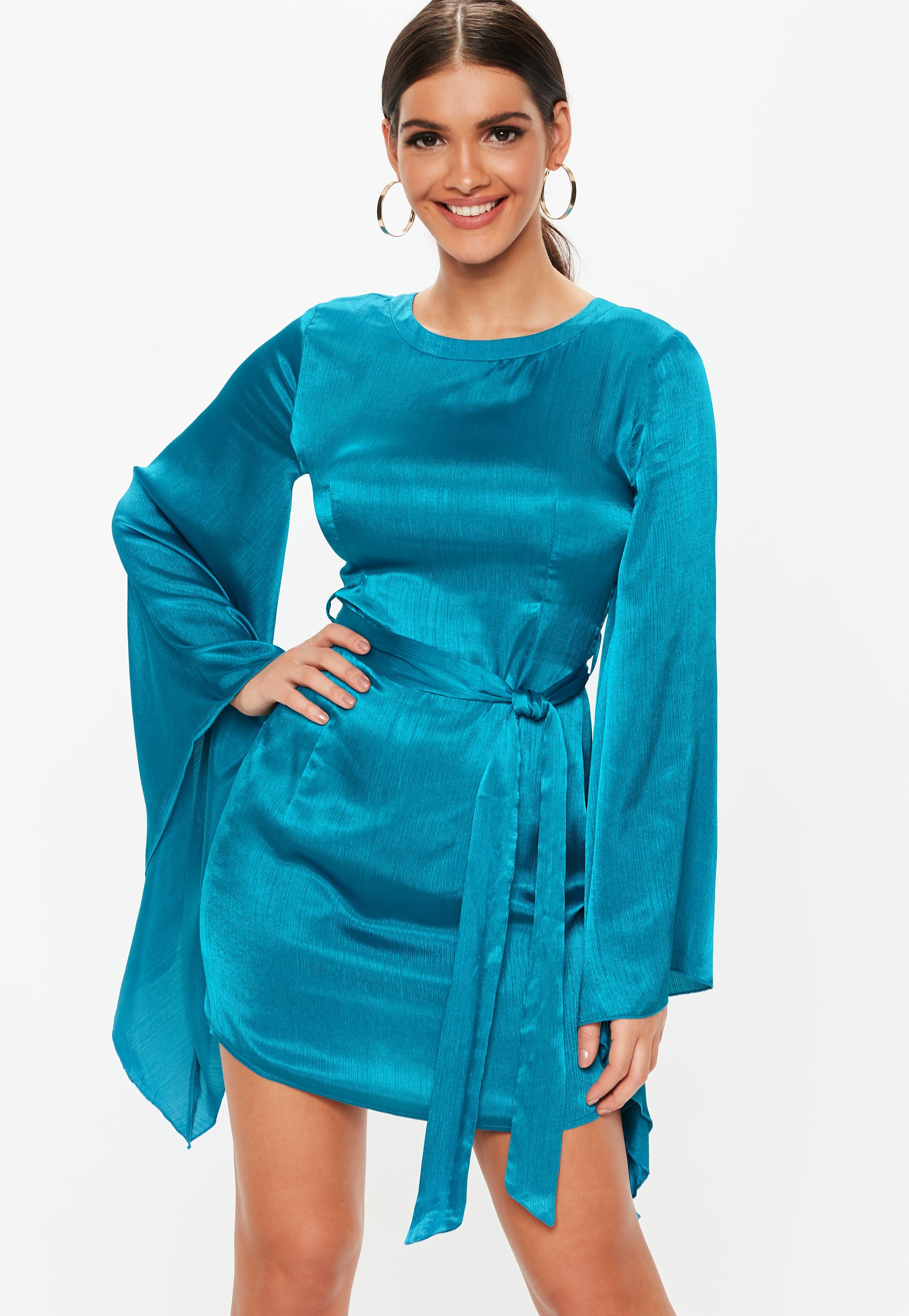 35e6c0d2c80 Robe courte bleu turquoise manches kimonos