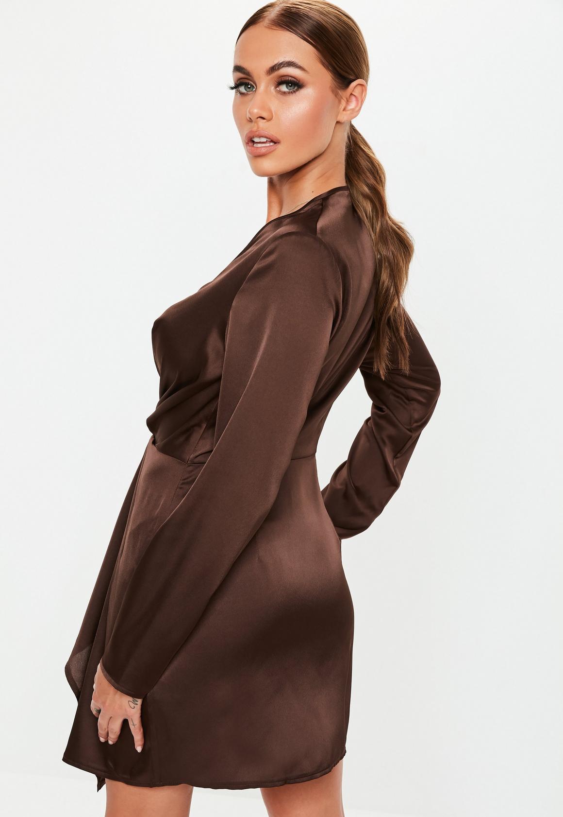 Missguided - robe courte en satin  vrille devant - 4
