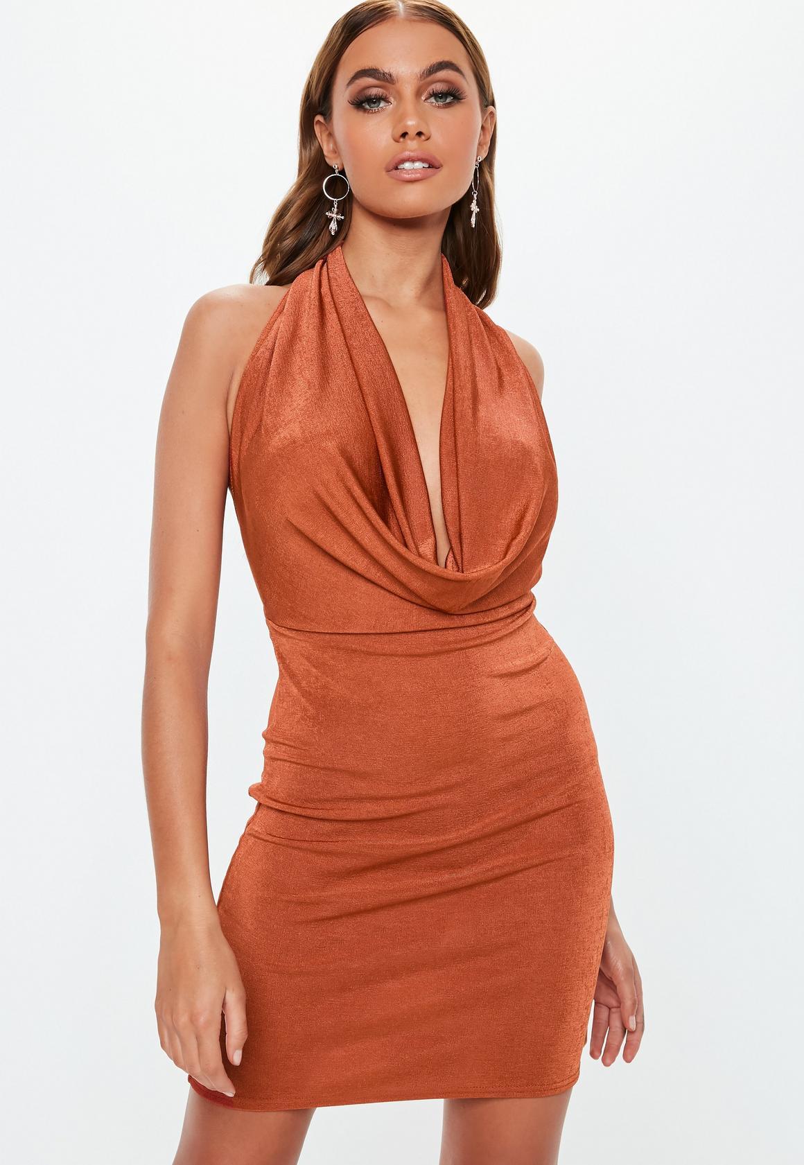 Missguided - robe courte dos-nu  à col bénitier - 1