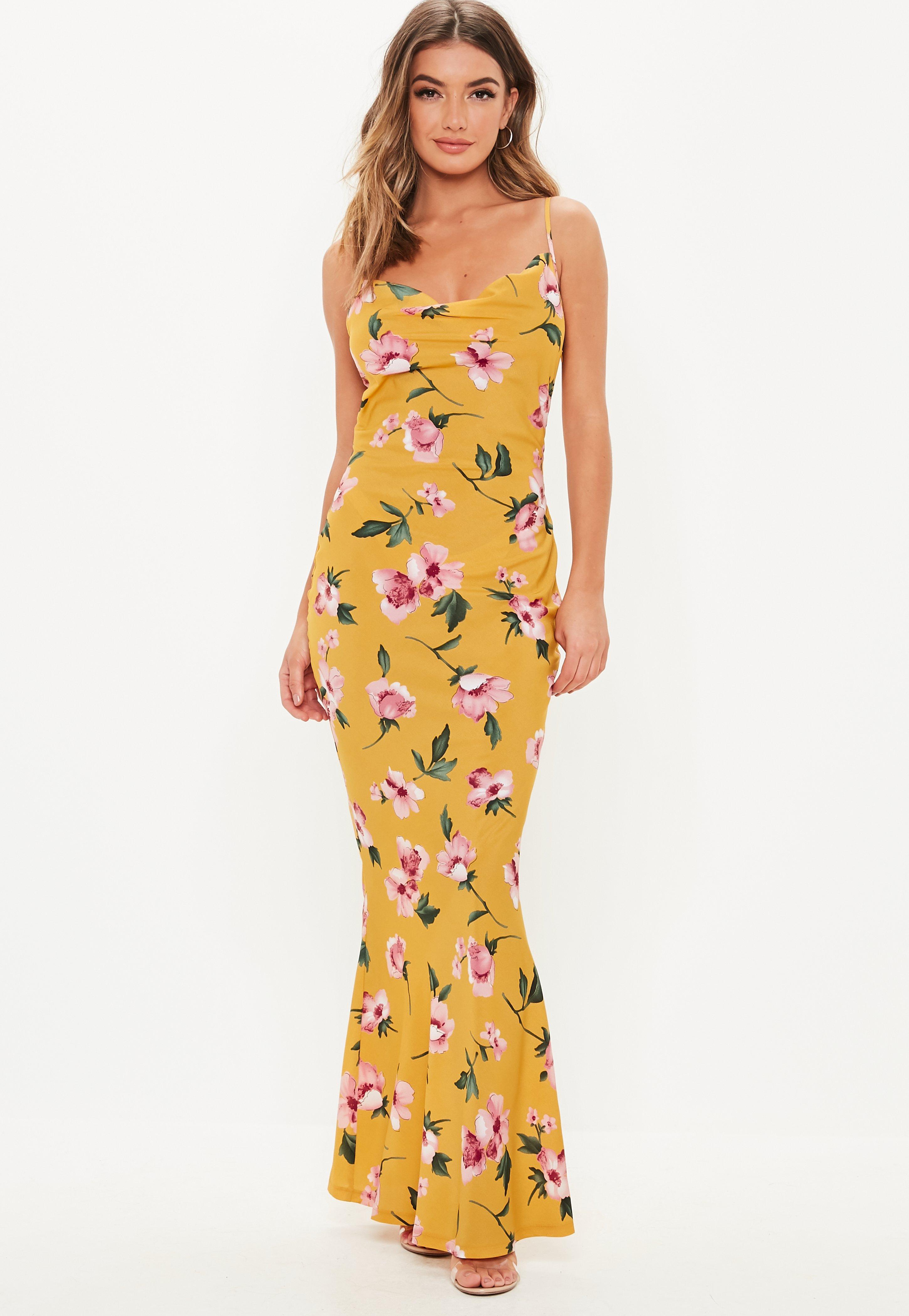 47771a615 Vestido largo con escote holgado de flores en amarillo mostaza ...