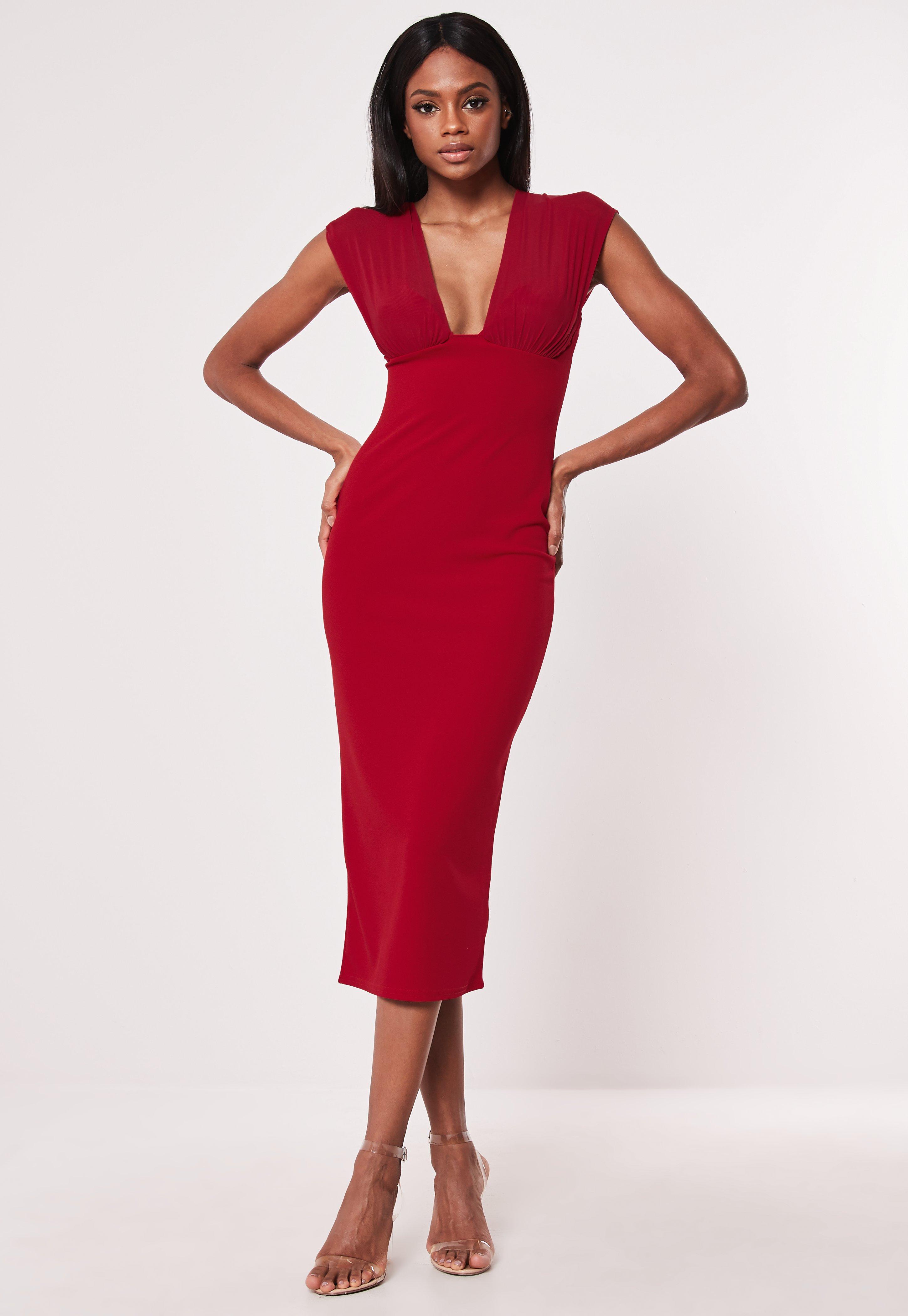 eb2d8b7f210f97 Czerwona sukienka midi z głębokim dekoltem | Missguided