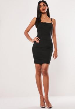 18ab3ad491 Czarna sukienka z metalowymi łączeniami na ramiączkach