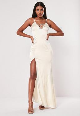 7acdb185a Vestido largo atado de satén en beige