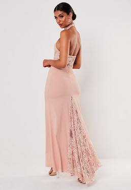 9805bfbf81 ... Vestido halter de encaje con cola en rosa maquillaje