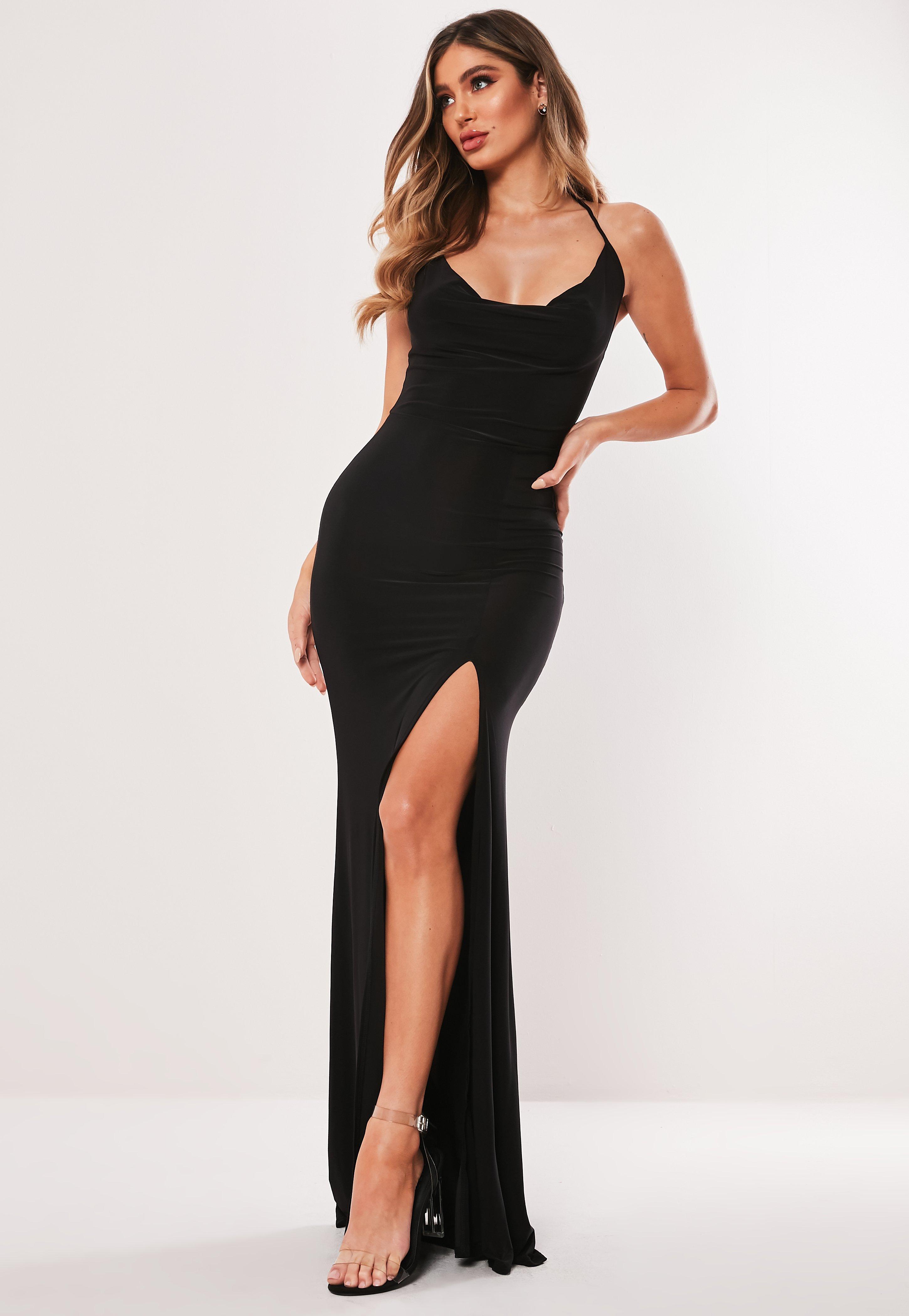 Czarna sukienka maxi z lekko drapowanym dekoltem