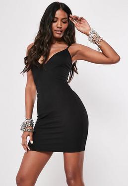 84c56d1a5 Vestido corto ajustado de tirantes en negro