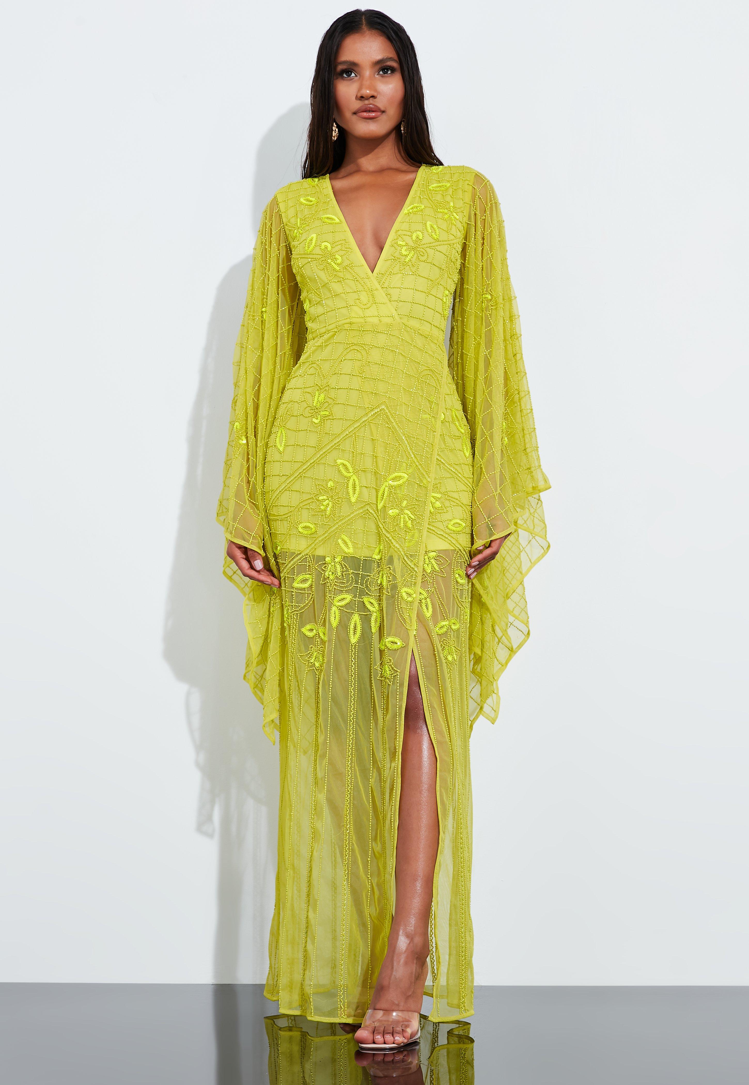ccdbddf33 Peace + Love Vestido largo con mangas kimono de pedrería en verde lima