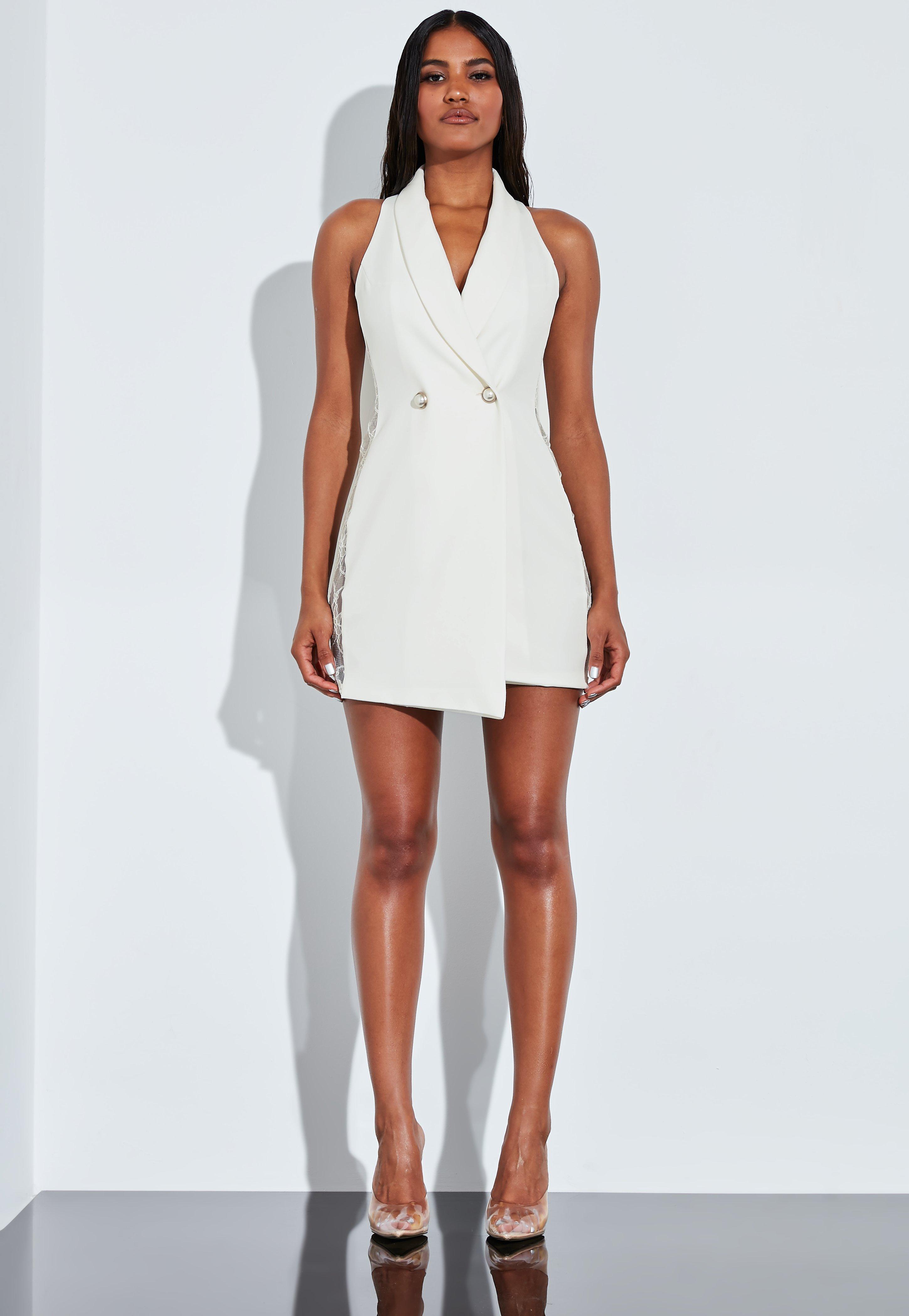 5092aa83a1b1 Peace + Love Vestido corto con botones de perlas de encaje en blanco