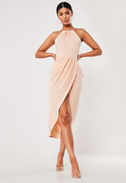 Облегающее платье миди с запахом и оборкой