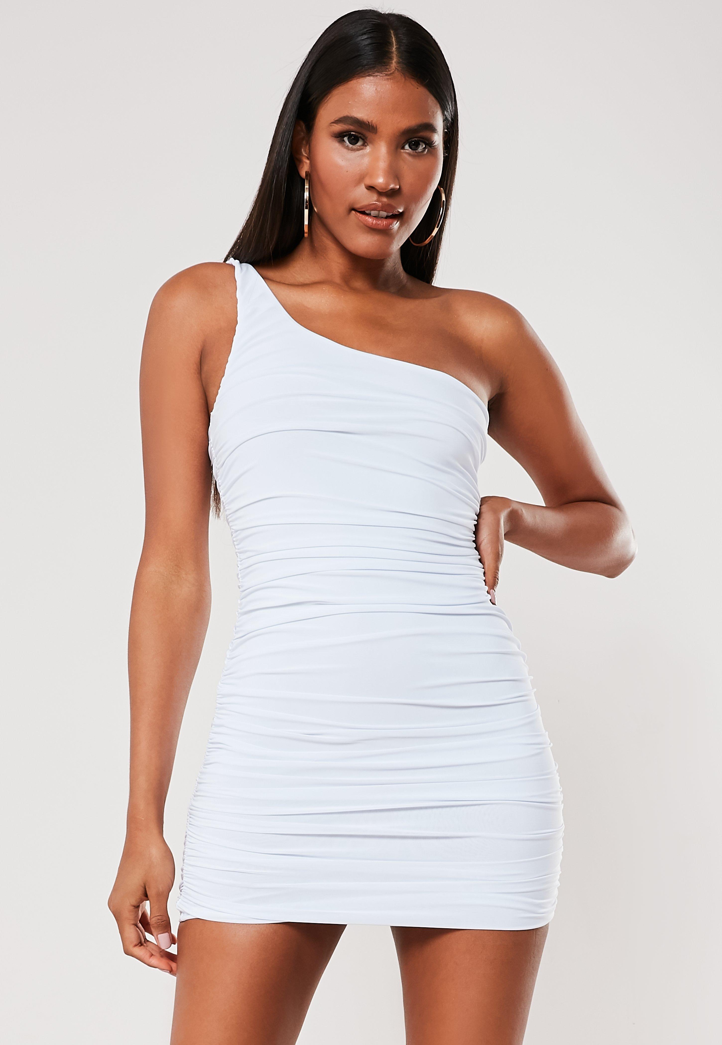 cbec030a Biała sukienka mini na jedno ramię