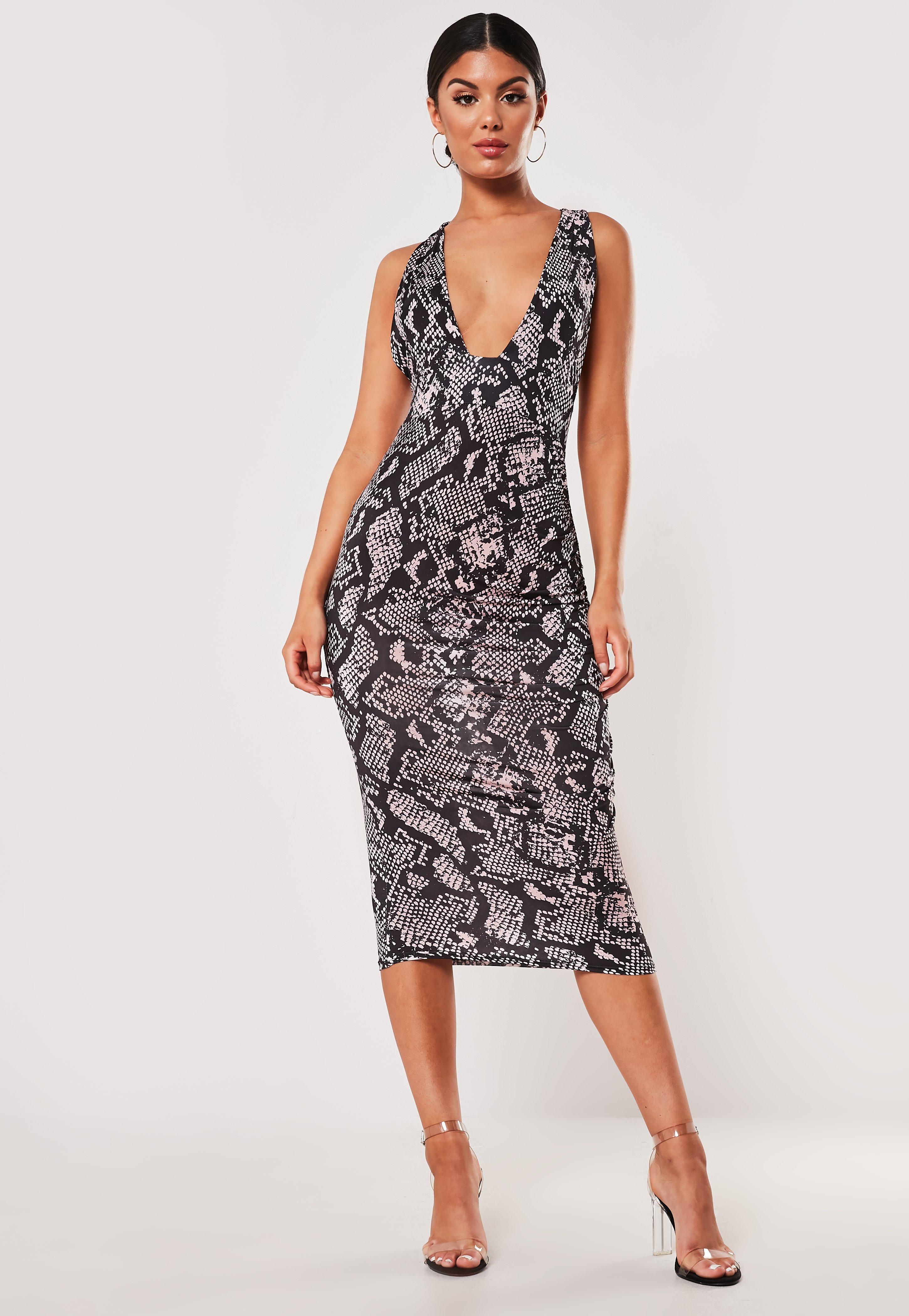 35055bad Cielista sukienka midi w wężowy wzór z głębokim dekoltem